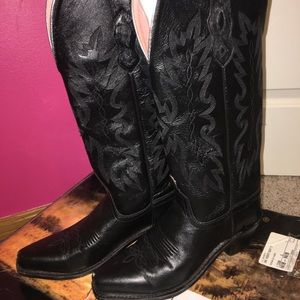 Shoes - Cow boy boots